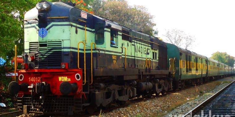 diesel locomotive roster the wdm alco series 24 coaches rh 24coaches com Diesel Locomotive Engines Diesel Locomotive Types